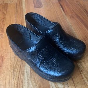 Dansko   Clogs   Black   Size 38   7.5